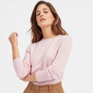 Everlane light pink cashmere sweater